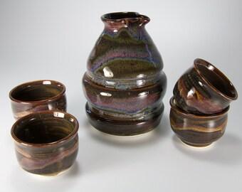Fantastic sake wine bottle and cups sake set in mahogany brown glaze item number 3003