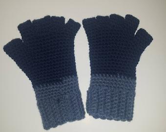 Blue fingerless gloves!!!