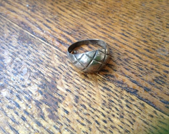 Quilted Sterling Pillow ring , size 7.5
