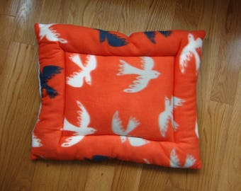 Doves Puffy Pet Bed