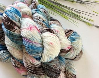 Bubblegum Beach - Hand-dyed Sock / 4ply  Peddero Merino & Nylon Yarn