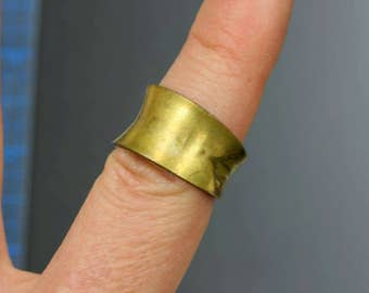 Vintage concave adjustable brass ring. Kim Craftsmen. Beadwork, Jewelry making, Jewelry supply.
