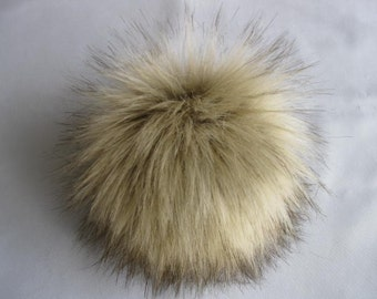 Faux fur pompon Wolf brown