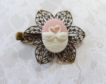 Soft Pink And White Swan Bronze Alligator Hair Clip