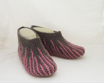 Handknitted donne Pantofole, calzini corti, a strisce, le pantofole, Pantofole in marrone e rosa, calzini corti donne