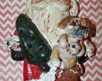 L'Art populaire Vintage père Noël ornement Ornie tenant à la main un Bulldog anglais en son genre
