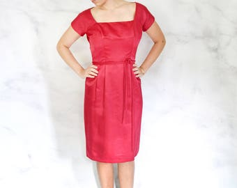 1960s Hot Pink Wiggle Dress with Square Neckline Size Medium