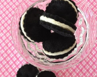 Set of 6 - Toy Faux Oreo Cookies