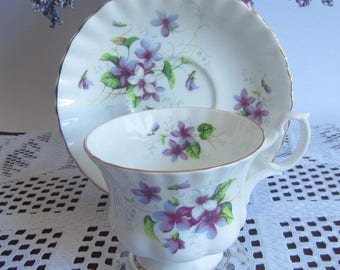 Royal Albert Un-Named Purple and White Violets Bone China Tea Cup and Saucer Montrose Shape