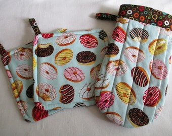 Frosted Donuts Pot Holders & Oven Mitt