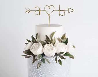 Arrow and Initials Wire Cake Topper - Rustic Cake Topper - Personalized Cake Topper - Rustic Chic - Name Cake Topper - Wedding - Engagement