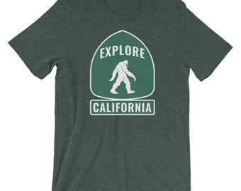 Explore California Bigfoot Women's T-Shirt | Retro West Coast Shirt | Vintage Hipster | Travel Ladies Tee