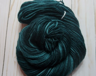 Teal (100% Peruvian Highland Wool, Worsted Weight, 220 yd/100 g)