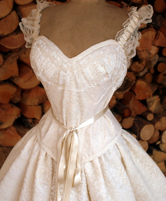 Items similar to Gone with the Wind- Rustic Wedding Dress-Boned ...