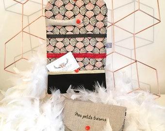 Customizable linen travel jewelry case