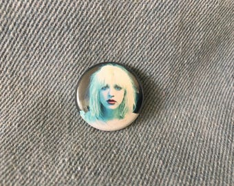 COURTNEY LOVE,  1 inch pin back button,     hole button, courtney love pin,