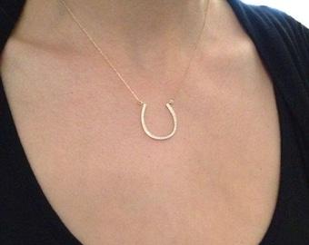 Gold Horseshoe Necklace Horse Shoe Jewelry - Horseshoe Charm - Simple Dainty Charm Necklace Jewelry Gold Charm - zarconia