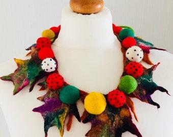 Necklace Felted, Merino Wool, Leaf