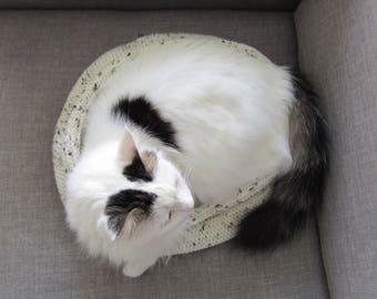 SAMPLE Slim modern cat bed - White Storm