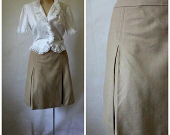 1970s Wool Skirt / Front Pleat Skirt / Vintage Office Skirt / Vintage 1970s Beige Skirt / 1970s Khaki Wool Skirt / Great Britain Skirt S/M