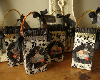 victorian style Halloween gift bags paper sacks party favor packaging embellished gift wrap paper bags candy containers treat hostess gift