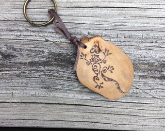 Wood Burned Tribal Gecko Keychain