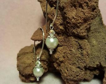 Elegant pearl and Swarovski Crystal earrings