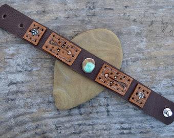 Distressed Leather Kingman Turquoise Bracelet. Sterling . South Western Design. Cowgirl . Bracelet