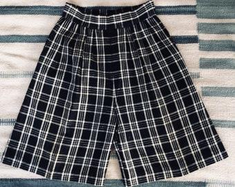 1980s Plaid Linen Walking Shorts