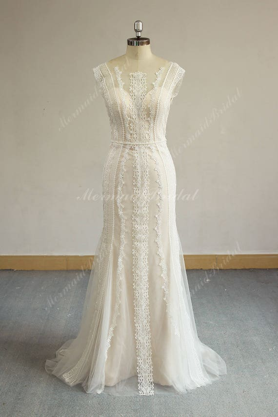 Romantic Open Back Fit and Flare Vintage Lace Wedding Dress