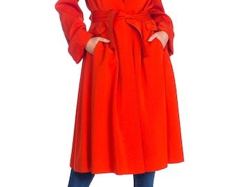 Striking Tomato Red 1940s Coat Size: M