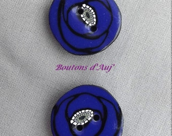 2 blue poppy flower 2 cm polymer clay buttons. Handcrafted button for customization.