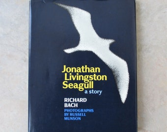 Jonathan Livingston Seagull First Edition Hardcover Dust jacket  1970, by Richard Bach, Russel Munson Photog, Fine Cond