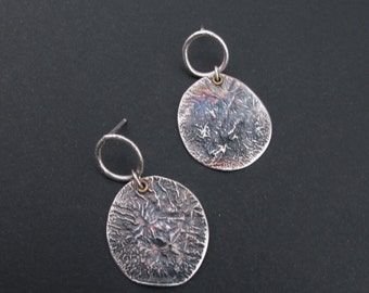 Oxydé en argent sterling 925 / boucles d'oreilles disque / Raw bijoux argent / rustique / messages / fait main bijoux / cadeau pour elle / moderne / Boho