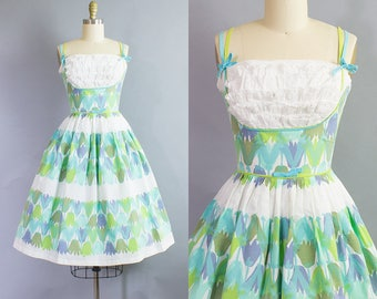 1950s Tulip Print Sundress/ 50s novelty cotton dress/ Extra Small (33b/24w)