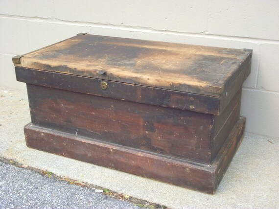 Antique wooden carpenter tool chest box tradesman trunk coffee