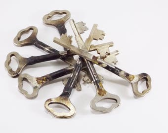 Large keys rare skeleton keys vintage keys for crafting supply big keys iron key Authentic keys brass key old fashioned key decor old keys
