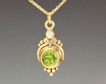 Gold Peridot Necklace/ Peridot Gold Pendant/ Green Gemstone Necklace/ August Birthstone/ Gift for Her/ One of a Kind/ Green Necklace