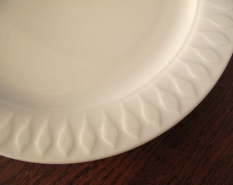 Tapio Wirkkala for Thomas Rosenthal group, Germany, 2 white breakfast or cake plates from the Lanzette series