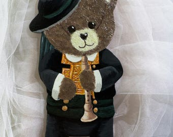 "Honey Bear ""Bigouden"" wood and paper"