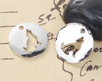 2 Breloques en forme de Rond / Loup Creux en Métal Argenté de 2cm / Animal