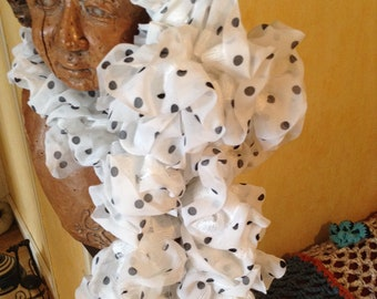 Scarf with polka dots