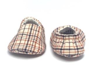 0-3mo RTS Baby Moccs: Autumn Plaid Oatmeal / Crib Shoes / Baby Shoes / Baby Moccasins / Vegan Moccs / Soft Soled Shoes / Montessori Shoes