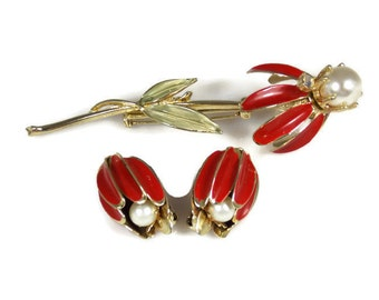Coro Red Enamel Daisy Brooch Earrings Set