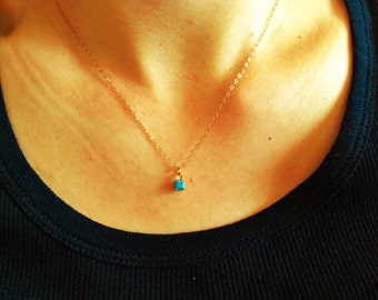 Small round turquoise pendant necklace,everyday minimalist dainty necklace, turquoise jewelry, everyday necklace,  summer jewelry