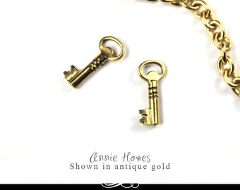 Skeleton Key Charms in Antique Gold. A Charming little key. Single Pack. KCG-B
