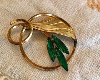 Pretty Vintage Costume Gold and Emerald Brooch / Costume Jewelry Pin with Green Rhinestones