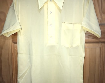 Yellow Short Sleeve Mens Vintage Shirt - That Knit by Block - Made in USA