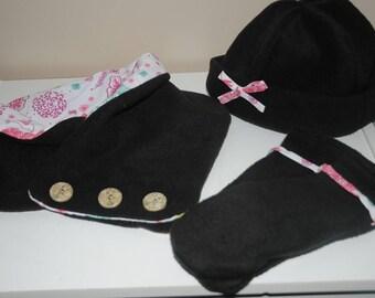 Snood, bonnet and matching mittens set