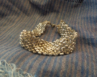 Beaded bracelet,  'Labrador' SuperDuo beads half Silver half clear.